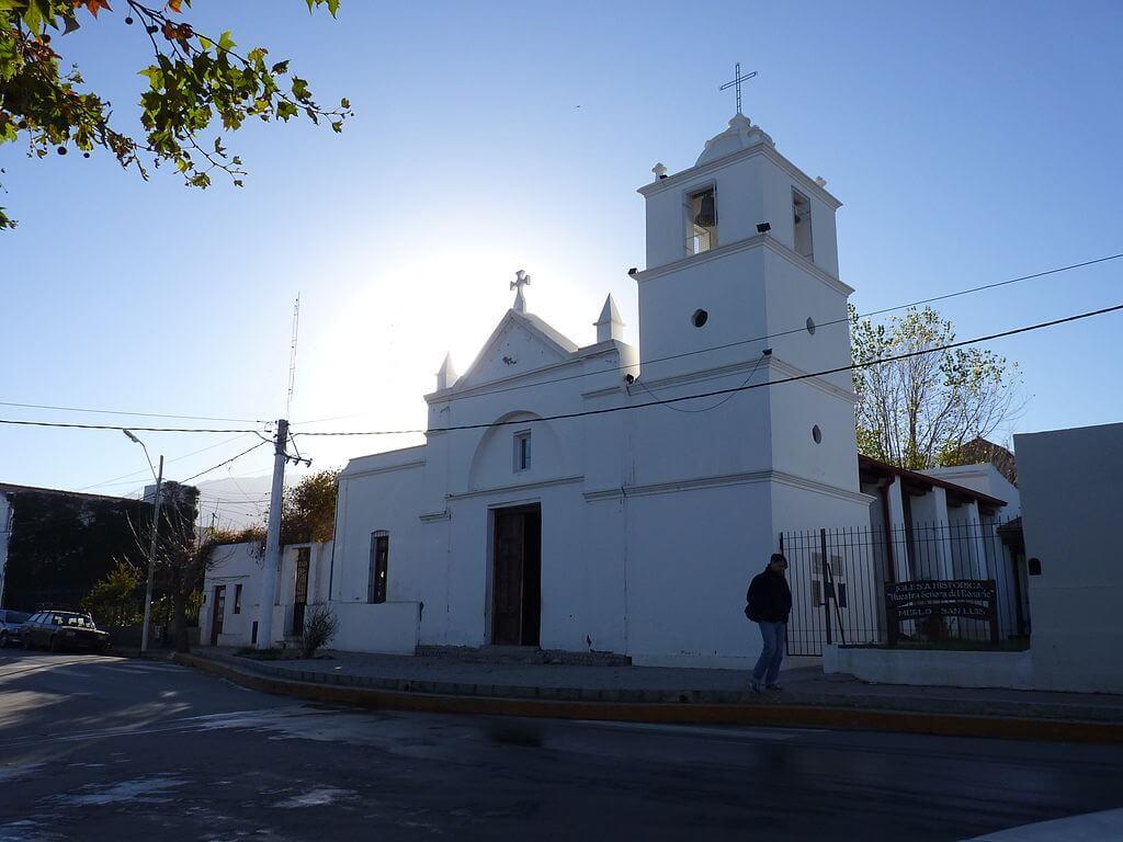 Iglesia Nuestra Señora del Rosario, en Merlo San Luis
