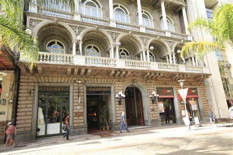 La Ciudad Vieja en Montevideo, qué visitar: Club Uruguay