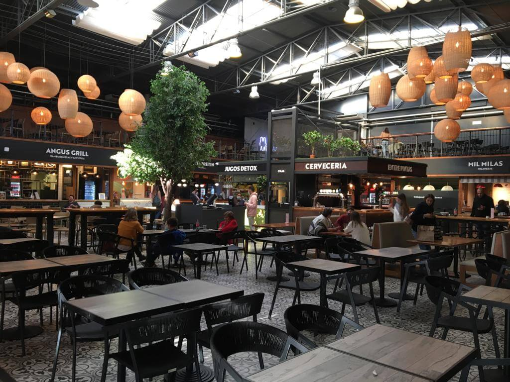 Montevideo: dónde comer en mercados gastronómicos